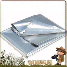 Couverture Survie Epaisse Trigano très résistante pour envelopper et protéger un randonneur du froid et du vent