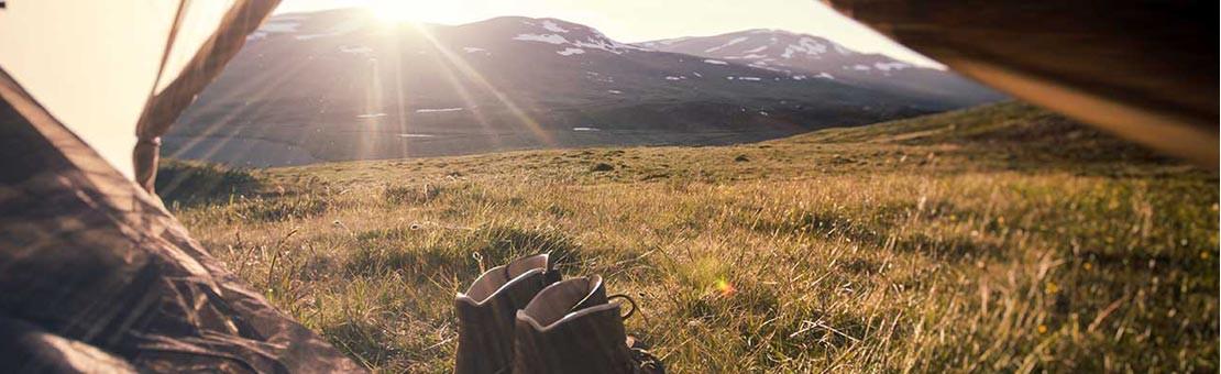 Tente randonnée bushcraft et tarp pour un bivouac léger